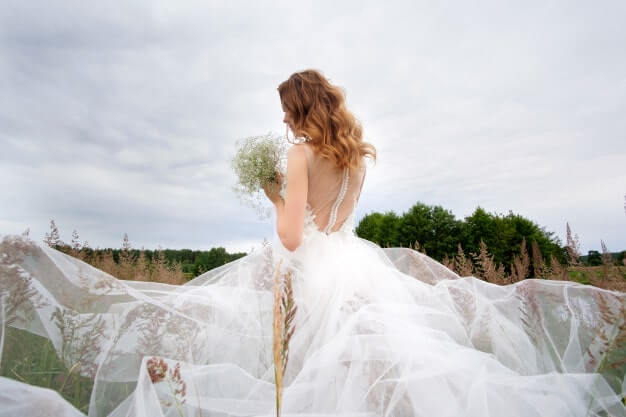 Bride in tulle dress