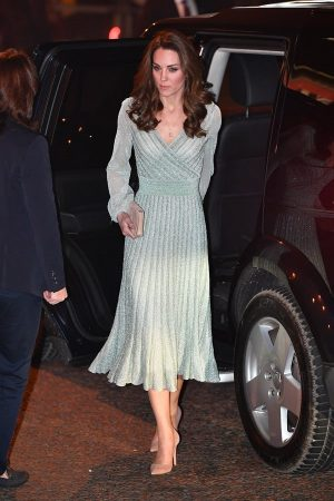 Kate Middleton con abito in lurex