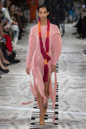 Looks by Stella McCartney, a brand that was born with sustainable purposes.