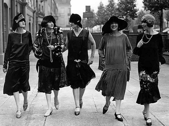 Groups of women of the 20's with their touchy looks. A luxury
